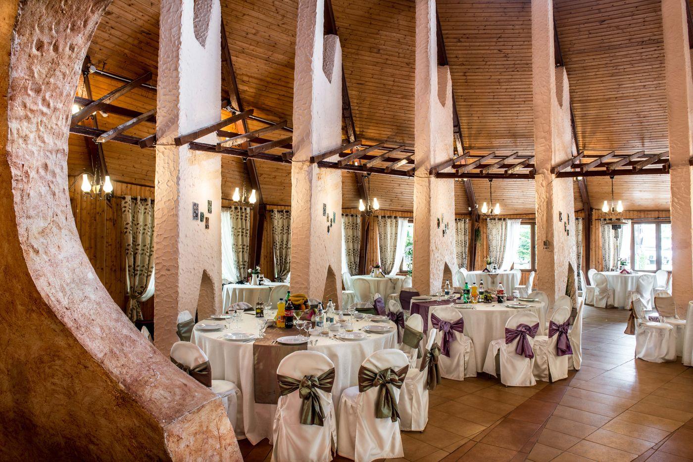 3-2-2-restaurant-sala-rustica-1